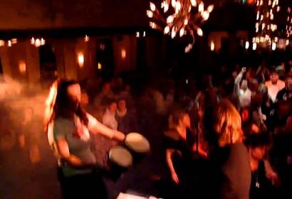 Band spielt Played-A-Live